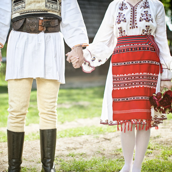 Sesiune de logodna: Mirela si Romulus la Muzeul Satului