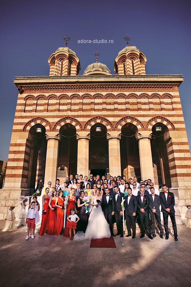 30 poza de grup biserica