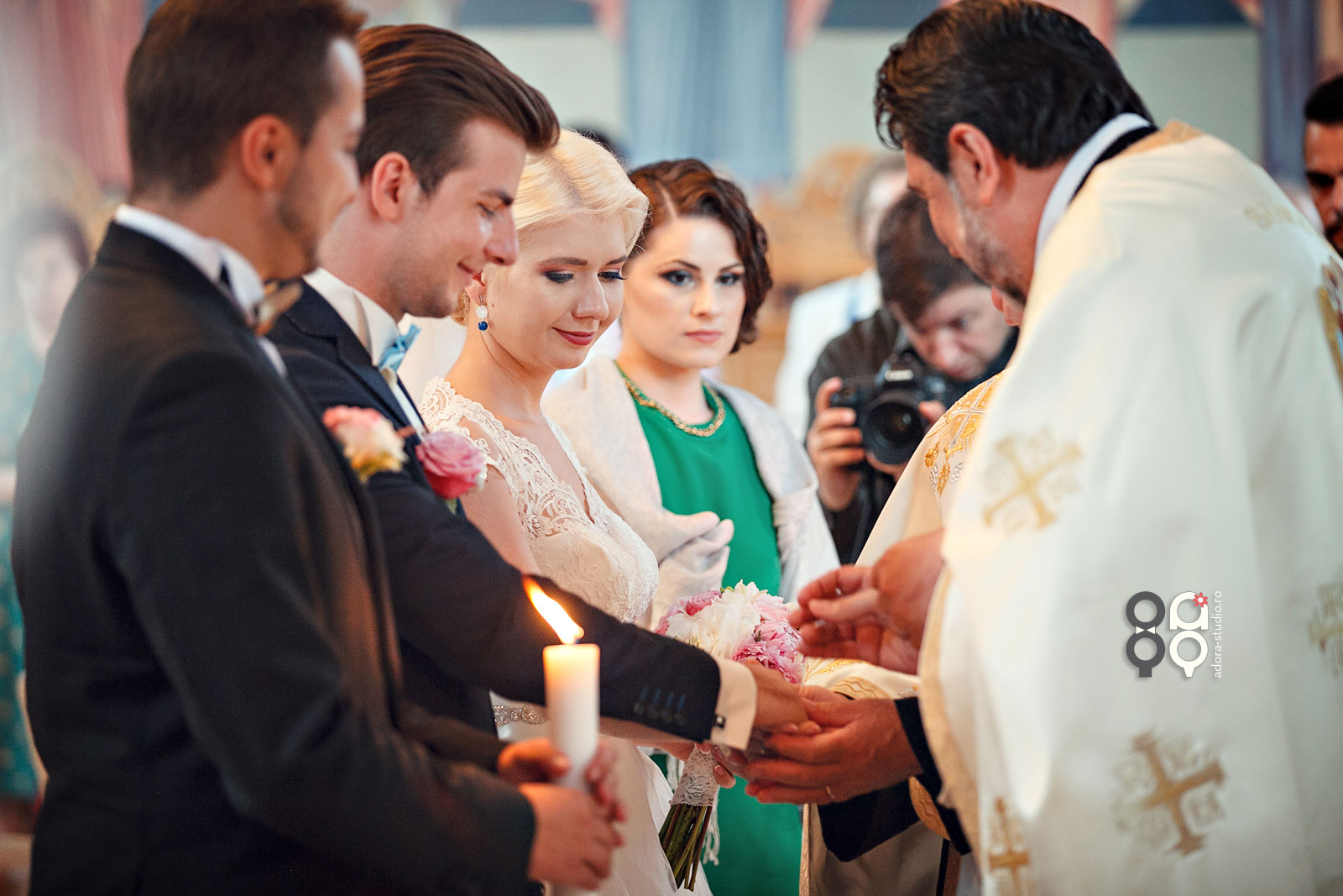 fotografii biserica nunta