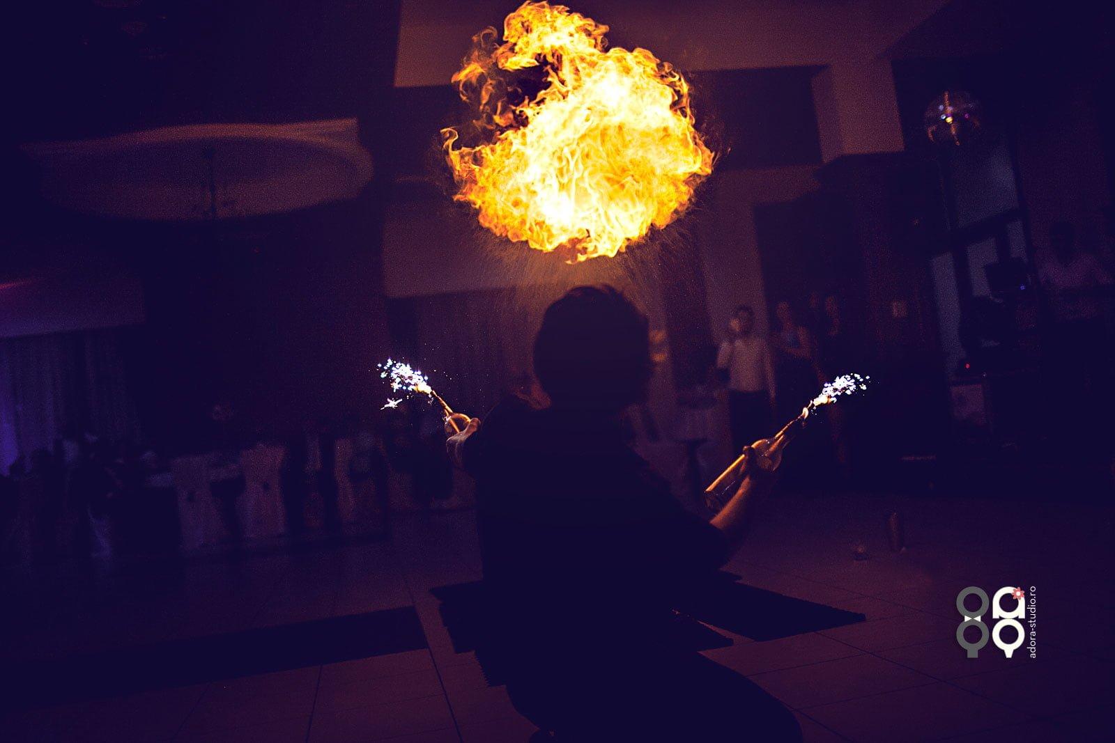spectacol foc nunta