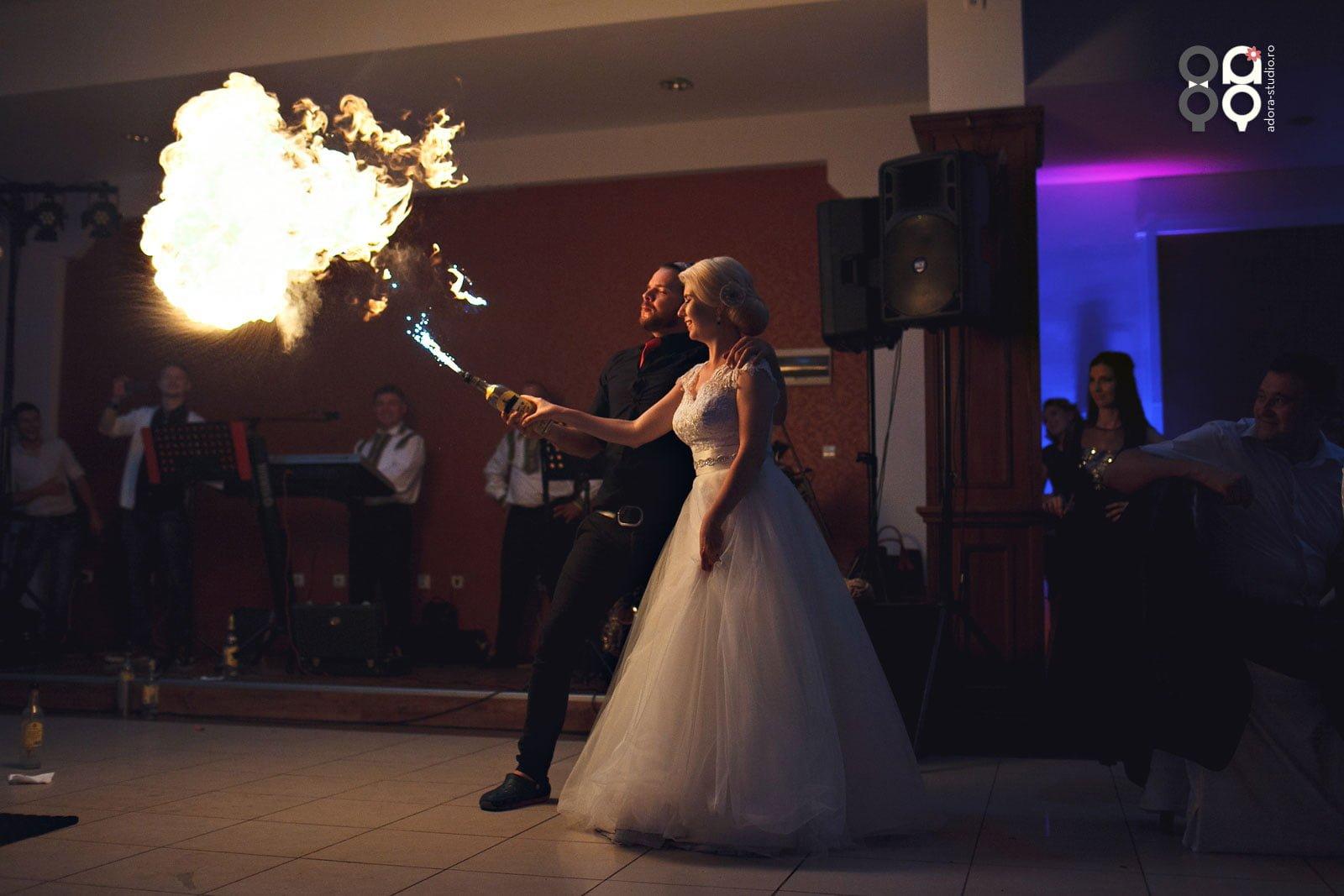 spectacol la nunta
