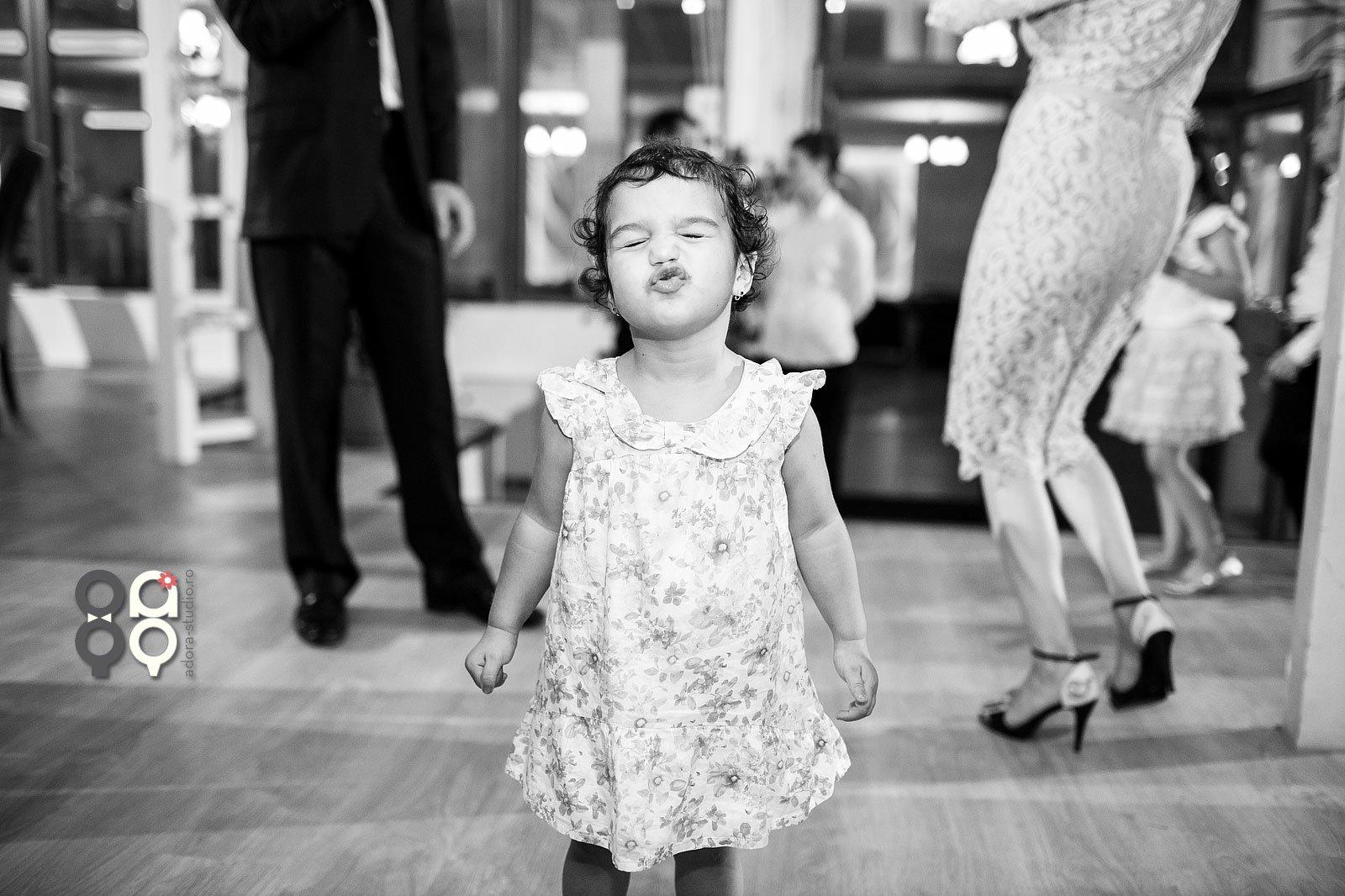 poze-copii-la-nunta